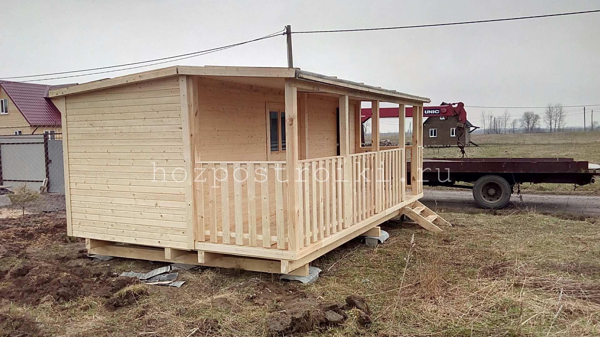 Строим дачные домики из бытовок